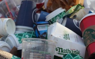 Objectif zéro déchet de plastique 2030 : une élève du secondaire interroge l'AQZD